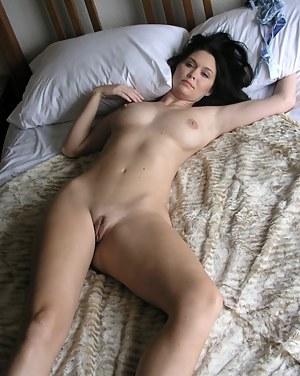 Free Moms Bedroom Porn Pictures