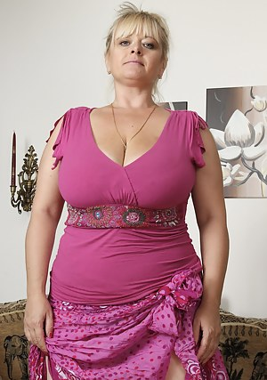 Free Chubby Moms Porn Pictures